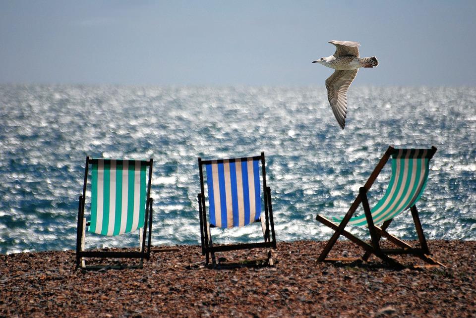 zon, zee en strandstoel.jpg