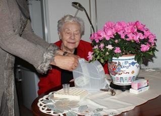 Persoonlijke verzorging van een bejaarde thuis